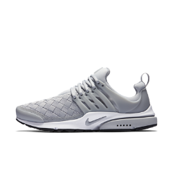 Мужские кроссовки Nike Air Presto SEМягкие и удобные мужские кроссовки Nike Air Presto SE с регулируемой посадкой и легкой воздухопроницаемой конструкцией напоминают любимую футболку.<br>