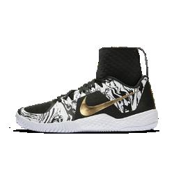 Женские теннисные кроссовки NikeCourt Flare BHMЖенские кроссовки для тенниса NikeCourt Flare BHM с увеличенным эластичным бортиком и подметкой из особо прочной резины (XDR) обеспечивают дополнительную стабилизацию и сцепление на кортах с твердым покрытием. Сетчатый верх и литые накладки обеспечивают воздухопроницаемость и поддержку, а дизайнерские элементы отдают дань уважения Месяцу памяти выдающихся людей с африканскими корнями.<br>