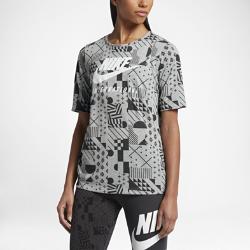Женская футболка Nike InternationalЖенская футболка Nike International из мягкой смесовой ткани на основе хлопка со сплошной графикой обеспечивает длительный комфорт и прочность.<br>