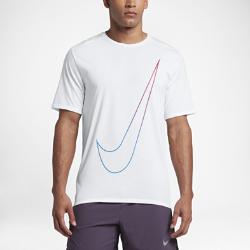 Мужская беговая футболка с коротким рукавом Nike BreatheМужская беговая футболка с коротким рукавом Nike Breathe из влагоотводящей ткани с продуманным расположением вставок из сетки обеспечивает вентиляцию и комфорт во время бега.<br>