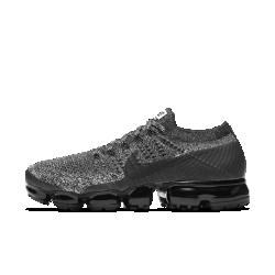 Мужские беговые кроссовки Nike Air VaporMax FlyknitМужские беговые кроссовки Nike Air VaporMax Flyknit с верхом из материала Flyknit и обновленной системой амортизации обеспечивают идеальную плотную посадку, легкость и упругость, бросающую вызов гравитации.  Легкость и амортизация  Амортизация Air обеспечивает максимальную защиту от ударных нагрузок по всей поверхности. Особые вырезы делают подошву еще более гибкой и легкой.  Безупречная посадка  Дышащий и легкий материал Flyknit обеспечивает плотную посадку и комфорт.  Надежная фиксация  Технология Flywire — это прочные и легкие нити, интегрированные со шнурками и обеспечивающие надежную фиксацию и стабилизацию в средней части стопы.  Подробнее  Накладки на носке и пятке для стабилизации и сохранения формы Резиновые накладки на подошве для прочности Вес: 255 г (мужской размер 9) Перепад: 10 мм  В ОСНОВЕ ДИЗАЙНА  Кроссовки Air VaporMax символизируют новую эпоху инноваций Nike. «Они кардинально изменили наш подход к созданию Air», — рассказывает Закари Элдер, создатель инновационнойтехнологии амортизации. Создавая VaporMax, дизайнеры хотели воплотить ощущение бега «словно по воздуху». В первую очередь они изменили структуру вставки Air, чтобы ее можно было прикрепить прямо к верху. «Это стало самым большим вызовом, — говорит Том Минами, ведущий дизайнер обуви, — но это того стоило. «Здесь нет стельки и подошвы, и вставка Air ощущается совершенно по-новому». В предыдущих версиях Air Max главной целью было максимально увеличить вставку Air, но в разработке VaporMax во главе угла эффективность, а не размер. «Когда стопа касается земли, каждый выступ упирается во вставку Air, усиливая давление, — объясняет Элдер, — При отталкивании давление снижается и создается пружинящий эффект». Воплощение идеи заняло семь лет, и теперь Элдер и Минами довольны результатом. «Я очень горжусь тем, что получилось, — говорит Элдер, — Этот подход станет поворотной точкой для Air, как и для Nike в целом».  Истоки Nike Air Max  Революционная 