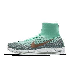 Женские беговые кроссовки Nike LunarEpic Flyknit ShieldЖенские беговые кроссовки Nike LunarEpic Flyknit Shield с верхом из водоотталкивающей ткани Flyknit и усовершенствованным рисунком подметки обеспечивают неизменную функциональность, плавность движений и плотную посадку.<br>
