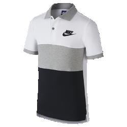 Рубашка-поло для мальчиков школьного возраста Nike Sportswear MatchupРубашка-поло для мальчиков школьного возраста Nike Sportswear Matchup из чистого хлопка со стильным классическим кроем обеспечивает длительный комфорт.<br>