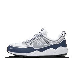 Мужские кроссовки Nike Air Zoom SpiridonМужские кроссовки Nike Air Zoom Spiridon — это дань уважения модели 90-х годов, когда технология Nike Zoom Air появилась впервые и стала одной из передовых. Эти кроссовки, тонкие, легкие и упругие, помогли атлетам достичь непревзойденной скорости. Легендарная беговая модель в новом исполнении для повседневной жизни дополнена современными стильными элементами, но обеспечивает такую же невероятную амортизацию.<br>