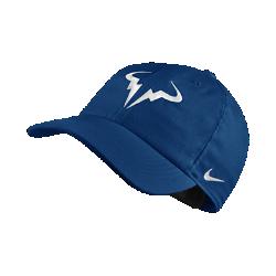 Теннисная бейсболка с застежкой NikeCourt AeroBill H86 Rafael NadalТеннисная бейсболка с застежкой NikeCourt AeroBill H86 Rafael Nadal обеспечивает вентиляцию и защиту во время игры.<br>