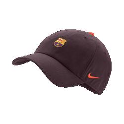 Бейсболка с застежкой FC Barcelona Heritage 86Бейсболка с застежкой FC Barcelona Heritage 86 с классическом профилем украшена эмблемой клуба.<br>