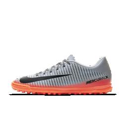 Футбольные бутсы для игры на газоне Nike MercurialX Vortex 3 CR7Футбольные бутсы для игры на газоне Nike MercurialX Vortex 3 CR7 созданы под вдохновением от мастерства Криштиану Роналду для динамичной игры в мини-футбол на искусственных покрытиях.<br>