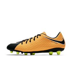 Футбольные бутсы для игры на искусственном газоне Nike Hypervenom Phelon 3 AG-PROФутбольные бутсы для игры на искусственном газоне Nike Hypervenom Phelon 3 AG-PRO с увеличенной зоной удара созданы для атакующих игроков. Они обеспечивают непревзойденную маневренность и улучшенный контроль мяча на полях с искусственным покрытием.  Асимметричная шнуровка  Смещенная шнуровка увеличивает зону удара для улучшенного контроля мяча.  Текстурированный верх  Верх из похожего на кожу материала с геометрическим микрорельефом улучшает касание мяча.  Подошва AG-PRO  Подошва AG PRO помогает выполнять рывки и быстро менять направление движения на искусственном газоне.<br>