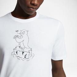 Мужская футболка Nike SB PenguinМужская футболка Nike SB Penguin из мягкого и прочного хлопка обеспечивает комфорт на весь день.<br>