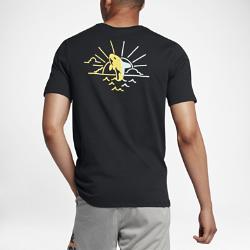 Мужская футболка Nike SB WhaleМужская футболка Nike SB Whale из влагоотводящей ткани обеспечивает вентиляцию и комфорт на весь день.<br>