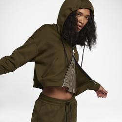 Женская худи NikeLab Essentials Full ZipЖенская худи NikeLab Essentials Full Zip — базовая модель в спортивном стиле со свободным, слегка укороченным кроем. Эта минималистичная модель со стильными элементами дизайна подходит для разных погодных условий.<br>