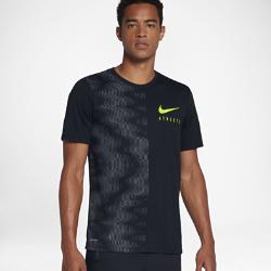 Мужская футболка для тренинга Nike Dry AthleteМужская футболка для тренинга Nike Dry Athlete из влагоотводящей ткани обеспечивает комфорт во время тренировки.<br>