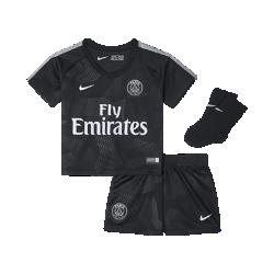 Футбольный комплект для малышей 2017/18 Paris Saint-Germain Stadium ThirdФутбольный комплект для малышей 2017/18 Paris Saint-Germain Stadium Third включает джерси, шорты и носки из дышащей ткани для максимального комфорта.<br>