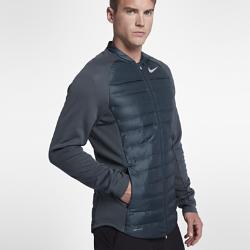 Мужская куртка для гольфа Nike AeroLoft HyperAdaptМужская куртка для гольфа Nike AeroLoft HyperAdapt обеспечивает тепло и свободу движений для полного комфорта во время игры и на каждый день.  ТЕПЛО  Легкий и теплый наполнитель Nike AeroLoft и зональная вентиляция для оптимальной функциональности в холодную погоду.  АДАПТИВНЫЙ КОМФОРТ  Волокна ткани Nike AeroReact раскрываются при повышении температуры для вентиляции и закрываются при ее понижении, удерживая тепло.  СВОБОДА ДВИЖЕНИЙ  Эластичная конструкция Nike HyperAdapt обеспечивает полную свободу движений и комфорт при каждом замахе.<br>