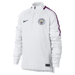 Игровая футболка для школьников Manchester City FC Dri-FIT Squad DrillИгровая футболка для школьников Manchester City FC Dri-FIT Squad Drill из эластичной влагоотводящей ткани с рукавами покроя реглан обеспечивает комфорт и свободу движений на поле.<br>