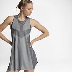 Теннисное платье NikeCourt Dry SlamТеннисное платье NikeCourt Dry Slam из легкой влагоотводящей ткани обеспечивает свободу движений и вентиляцию при максимальных нагрузках.<br>