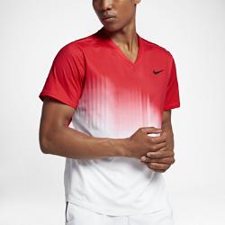 Мужская теннисная футболка NikeCourt RFСоздано для изящного стиля игры Роджера Федерера. Мужская теннисная футболка NikeCourt RF обеспечивает охлаждение в самые напряженные моменты игры благодаря влагоотводящей ткани с зонами вентиляции.<br>