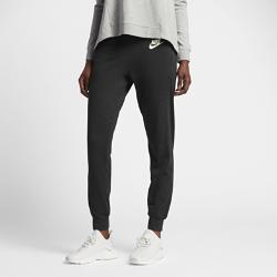 Женские брюки Nike Sportswear Gym ClassicЖенские брюки Nike Sportswear Gym Classic со свободным кроем из невероятно мягкого и прочного смесового хлопка обеспечивают комфорт на весь день.<br>