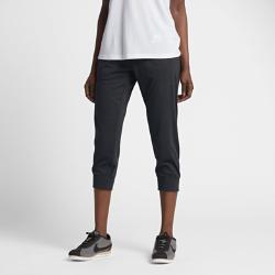 Женские капри Nike Sportswear Gym ClassicЖенские капри Nike Sportswear Gym Classic из сверхмягкой смесовой ткани обеспечивают комфорт на весь день.<br>