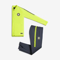 Футбольный костюм для школьников Inter Milan Dri-FIT SquadФутбольный костюм для школьников Inter Milan Dri-FIT Squad из влагоотводящей ткани с фирменными деталями обеспечивает комфорт.<br>