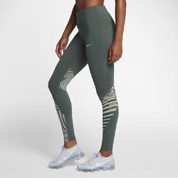 Женские беговые тайтсы с графикой Nike Epic LuxЖенские беговые тайтсы с графикой Nike Epic Lux из толстой мягкой ткани и сетки обеспечивают поддержку и вентиляцию там, где это необходимо.  ЭЛАСТИЧНОСТЬ И ПОДДЕРЖКА  Невероятно мягкая, эластичная и очень плотная ткань Nike Power для идеального сочетания комфорта и компрессионной поддержки.  ВОЗДУХОПРОНИЦАЕМОСТЬ  Вставки из сетки в области коленей сзади обеспечивают вентиляцию.  ДОПОЛНИТЕЛЬНАЯ ЗАЩИТА  Широкий пояс с посадкой выше бедер для дополнительной защиты и полного комфорта.  ПОДРОБНЕЕ  Технология Dri-FIT отводит влагу и обеспечивает комфорт Водонепроницаемый задний карман защищает содержимое от влаги Прорезные карманы на поясе для хранения мелочей Состав: основа/подкладка пояса: Dri-FIT 78% нейлон/22% спандекс. Сетчатые вставки: Dri-FIT 74% полиэстер/26% спандекс. Подкладка ластовицы: Dri-FIT 100% переработанный полиэстер. Машинная стирка Импорт<br>