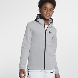 Баскетбольная худи с молнией во всю длину для мальчиков школьного возраста Nike Therma Flex ShowtimeКОМФОРТ НА ПЛОЩАДКЕ КОНЦЕНТРАЦИЯ НА ИГРЕ  Баскетбольная худи с молнией во всю длину для мальчиков школьного возраста Nike Therma Flex Showtime из эластичной ткани обеспечивает тепло и комфорт, помогая полностью сконцентрироваться на игре.  ТЕПЛО, ЭЛАСТИЧНОСТЬ И КОМФОРТ  Эластичная ткань Nike Therma Flex сохраняет тепло, обеспечивая свободу движений. Технология Dri-FIT отводит влагу с поверхности кожи, обеспечивая комфорт.  КОНЦЕНТРАЦИЯ И РЕЗУЛЬТАТ  Крой капюшона не ограничивает обзор во время игры. Когда капюшон надет, панель из сетки оказывается в области ушей, пропуская все звуки. Манжеты не мешают при ведении мяча и бросках благодаря особой форме.  Удобное хранение  Боковые карманы на молнии для телефона и других мелочей.<br>