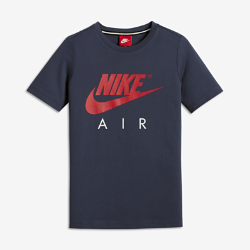 Футболка с коротким рукавом для мальчиков школьного возраста Nike AirФутболка с коротким рукавом для мальчиков школьного возраста Nike Air из чистого хлопка с разрезами в кромке обеспечивает свободу движений и длительный комфорт.<br>