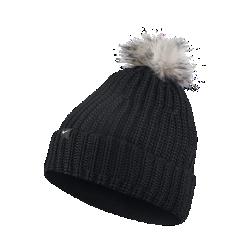 Женская вязаная шапка Nike Golf PomЖенская вязаная шапка Nike Golf Pom из мягкого трикотажа с флисовой подкладкой обеспечивает непревзойденную защиту от холода.<br>