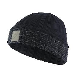 Трикотажная шапка для гольфа NikeТрикотажная шапка для гольфа Nike обеспечивает комфортную защиту и тепло во время игры благодаря мягкой ткани и конструкции с отворотом.<br>