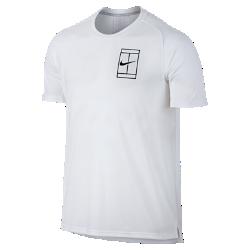 Мужская теннисная футболка с коротким рукавом NikeCourt BreatheМужская теннисная футболка с коротким рукавом NikeCourt Breathe из дышащей влагоотводящей ткани обеспечивает комфортное охлаждение.<br>