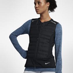 Женский беговой жилет Nike AeroLoftЖенский беговой жилет Nike AeroLoft обеспечивает тепло и вентиляцию в непогоду. Его можно надеть поверх другой одежды, а потом сложить и убрать, если станет слишком жарко. Кроме того, обновленный крой способствует свободе движений.  Комфорт и тепло  Водоотталкивающее покрытие защищает от дождя. Отсеки спереди и по бокам с пуховым наполнителем 800FP. Наполнитель с прочным водоотталкивающим покрытием DWR не сбивается в комки.  Непревзойденная вентиляция  Перфорация между отсеками с наполнителем и на спине пропускает воздух и отводит излишки тепла, обеспечивая эффективную терморегуляцию. Подкладка в области перфорации спереди защищает от ветра.  Легко сложить и носить с собой  Если станет жарко, жилет можно убрать в карман на молнии и зафиксировать с помощью ремешка.<br>
