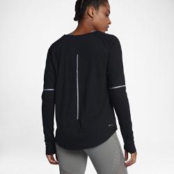 Женская беговая футболка с длинным рукавом Nike BreatheЖенская беговая футболка с длинным рукавом Nike Breathe идеальна как в качестве базового слоя, так и самостоятельной детали экипировки благодаря дышащей влагоотводящейткани для комфортного охлаждения.<br>