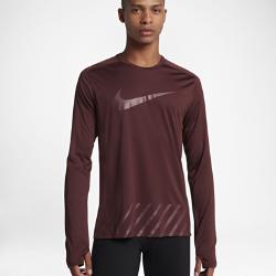 Мужская беговая футболка с длинным рукавом Nike MilerМужская беговая футболка с длинным рукавом Nike Miler из влагоотводящей ткани обеспечивает комфорт. Швы анатомической формы не натирают кожу во время движения.<br>