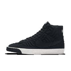 Женские кроссовки Nike Blazer Mid Premium SEЖенские кроссовки Nike Blazer Mid Premium SE созданы на основе легендарной баскетбольной модели со стегаными элементами на верхе из кожи и замши.<br>