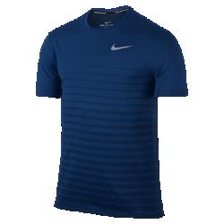 Мужская беговая футболка с коротким рукавом Nike Zonal Cool RelayМужская беговая футболка с коротким рукавом Nike Zonal Cool Relay из влагоотводящей ткани с продуманным расположением зон вентиляции на груди обеспечивает охлаждение и комфорт даже в жаркую погоду.<br>