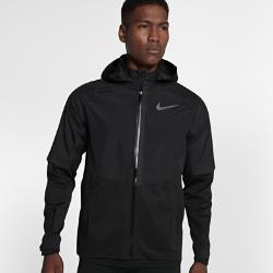 Мужская беговая куртка Nike AeroShieldМужская беговая куртка Nike AeroShield защищает от холода, помогая избежать перегрева. Революционная технология Nike AeroShield защищает от дождя и ветра и отводит излишки тепла, поддерживая оптимальную температуру тела.  Легкость и воздухопроницаемость  Технология Nike AeroShield задействует три слоя материала, каждый из которых выполняет свою функцию. Средний слой представляет собой мембрану из ультратонких нановолокон, сотканных методом электропрядения. В итоге получается невероятно легкий и дышащий материал, отводящий влагу и излишки тепла.  Комфорт и тепло  Каждый шов куртки полностью герметичен для надежной защиты от дождя и ветра.  Циркуляция воздуха  Двусторонние молнии по бокам скрывают вставки из сетки для регулируемой вентиляции. Боковые молнии можно немного расстегнуть сверху для надежной посадки во времябега. Или расстегнуть снизу для максимальной циркуляции воздуха. Зоны вентиляции над локтями и в верхней части спины повышают воздухопроницаемость.<br>