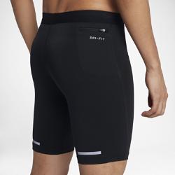 Мужские укороченные тайтсы для бега Nike TechМужские укороченные тайтсы для бега Nike Tech из сверхэластичной поддерживающей ткани идеальны для бега на длинные дистанции.<br>