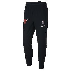 Мужские брюки НБА Chicago Bulls Nike ShowtimeМужские брюки НБА Chicago Bulls Nike Showtime — это сочетание невероятного комфорта и аутентичного дизайна экипировки НБА для разминки. Легкий и эластичный тканый материал обеспечивает свободу движений на площадке и за ее пределами. Эластичность и комфорт Легкий и эластичный тканый материал с технологией Dri-FIT отводит влагу от кожи и обеспечивает комфорт. Удобная посадка Эластичные пояс и отвороты для удобной и надежной посадки при каждом движении. Надежное хранение Карман на молнии на штанине для надежного хранения телефона и других мелочей. Информация о товаре  Состав: 87% полиэстер/13% спандекс Машинная стирка Импорт<br>