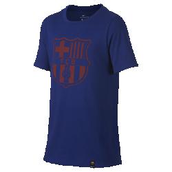 Футболка для школьников FC Barcelona CrestФутболка для школьников FC Barcelona Crest с клубной символикой на мягкой хлопковой ткани отдает дань уважения любимой команде.<br>