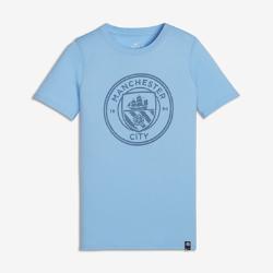Футболка для школьников Manchester City FC CrestФутболка для школьников Manchester City FC Crest с клубной символикой на мягкой хлопковой ткани отдает дань уважения любимой команде.<br>