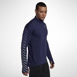 Мужская беговая футболка с длинным рукавом Nike Element FlashМужская беговая футболка с длинным рукавом Nike Element Flash идеально подходит для утренних и вечерних пробежек, сохраняя тепло и препятствуя перегреву. Светоотражающаяграфика на рукавах делает тебя заметнее.  Тепло и вентиляция  Ткань с более открытым плетением на спине обеспечивает вентиляцию и не прилипает к телу. Молния до середины груди позволяет регулировать уровень вентиляции, обеспечивая защиту на пробежке и после нее.  Свобода движений  Отверстия для больших пальцев фиксируют рукава для дополнительной защиты в холодную погоду. Рукава покроя реглан и швы, повторяющие форму рук, для естественной свободы движений.  Отведение влаги  Мягкая ткань с технологией Dri-FIT отводит влагу от кожи на поверхность ткани, где она быстро испаряется.<br>