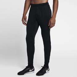 Мужские футбольные брюки Nike Dry SquadМужские футбольные брюки Nike Dry Squad из эластичной влагоотводящей ткани с зауженным кроем обеспечивают свободу движений.  КОМФОРТ  Технология Nike Dri-FIT отводит влагу от кожи на поверхность ткани, где она быстро испаряется.  СВОБОДА ДВИЖЕНИЙ  Эластичная ткань не ограничивает естественную свободу движений при беге, рывках и ударах.  НАДЕЖНАЯ ПОСАДКА  Кант из рубчатой ткани по внутренней стороне пояса фиксирует брюки во время движения.<br>