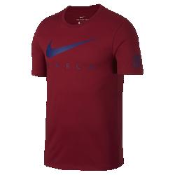 Мужская футболка FC Barcelona FC Dry PreseasonМужская футболка FC Barcelona Dry Preseason из мягкой влагоотводящей ткани с фирменными деталями обеспечивает длительный комфорт.<br>