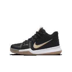 """Баскетбольные кроссовки для школьников Kyrie 3 """"Badge of Honor""""Баскетбольные кроссовки для школьников Kyrie 3 с уникальной закругленной подметкой обеспечивают высокую скорость движений в любом направлении.<br>"""