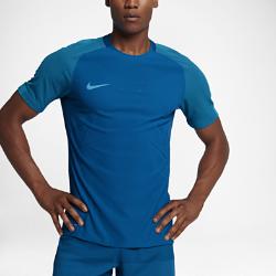 Мужская игровая футболка с коротким рукавом Nike Strike AeroSwift StrikeМужская игровая футболка с коротким рукавом Nike Strike AeroSwift Strike с технологией AeroSwift и продуманным технологичным кроем, разработанным специально для игры в футбол, позволяет тренироваться с комфортом на любой скорости.<br>