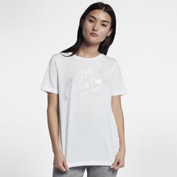 Женская футболка Nike Sportswear Essential MetallicЖенская футболка Nike Sportswear Essential Metallic из мягкой ткани джерси обеспечивает комфорт на весь день. Преимущества  Мягкая ткань джерси обеспечивает комфорт Вырез «лодочка» из прочной рубчатой ткани с внутренним кантом  Информация о товаре  Состав: 52% полиэстер/48% модал Машинная стирка Импорт<br>