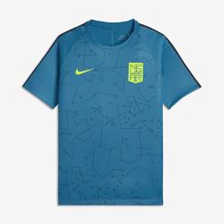Футболка с коротким рукавом для мальчиков школьного возраста Nike Dry Neymar SquadФутболка с коротким рукавом для мальчиков школьного возраста Nike Dry Neymar Squad из мягкой влагоотводящей ткани с фирменной графикой в стиле любимого игрока обеспечиваетдлительный комфорт.<br>