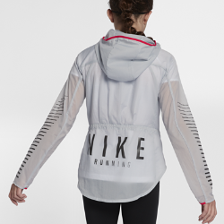 Беговая куртка для девочек школьного возраста Nike Impossibly LightБеговая куртка для девочек школьного возраста Nike Impossibly Light защищает от дождя и легко складывается в капюшон, когда погода улучшается.<br>