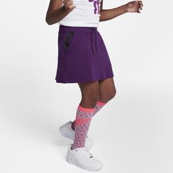 Юбка для девочек школьного возраста Nike Sportswear Tech FleeceЮбка для девочек школьного возраста Nike Sportswear Tech Fleece из инновационного материала обеспечивает тепло и комфортную защиту без дополнительных слоев.<br>