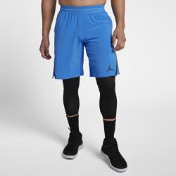 Мужские баскетбольные шорты Jordan Ultimate FlightМужские баскетбольные шорты Jordan Ultimate Flight из эластичной влагоотводящей ткани Dri-FIT со вставками из сетки в ключевых зонах обеспечивают охлаждение, комфорт и свободудвижений во время игры.  Свобода движений  Шорты обеспечивают комфорт и свободу движений благодаря разрезам в нижней кромке и эластичной ткани Nike Flex.  Легкость и воздухопроницаемость  Трикотажная сетка повышает циркуляцию воздуха там, где это необходимо, а пояс из легкой эластичной сетки с внутренним шнурком обеспечивает надежную посадку.  Комфорт  Ткань Dri-FIT отводит влагу с поверхности кожи, обеспечивая комфорт в самые жаркие моменты игры.<br>